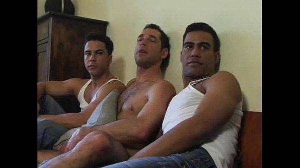 Porno gay gang bang com machos safados